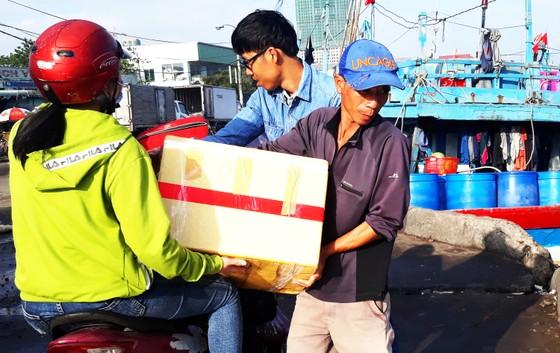 'Chở tết' ra đảo Cù Lao Xanh ảnh 2