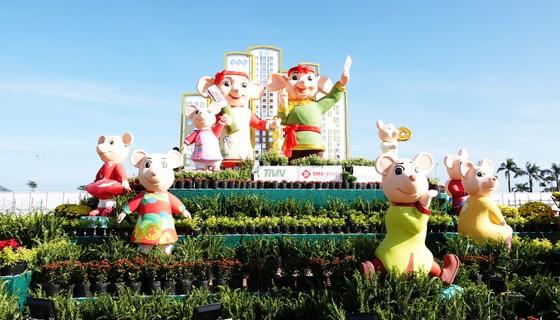 Độc đáo linh vật gia đình nhà chuột đi hội bài chòi ở Quy Nhơn ảnh 8