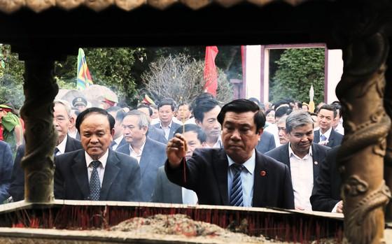 Biển người 'trẩy hội' Ngọc Hồi - Đống Đa trên quê hương anh hùng Quang Trung - Nguyễn Huệ ảnh 3