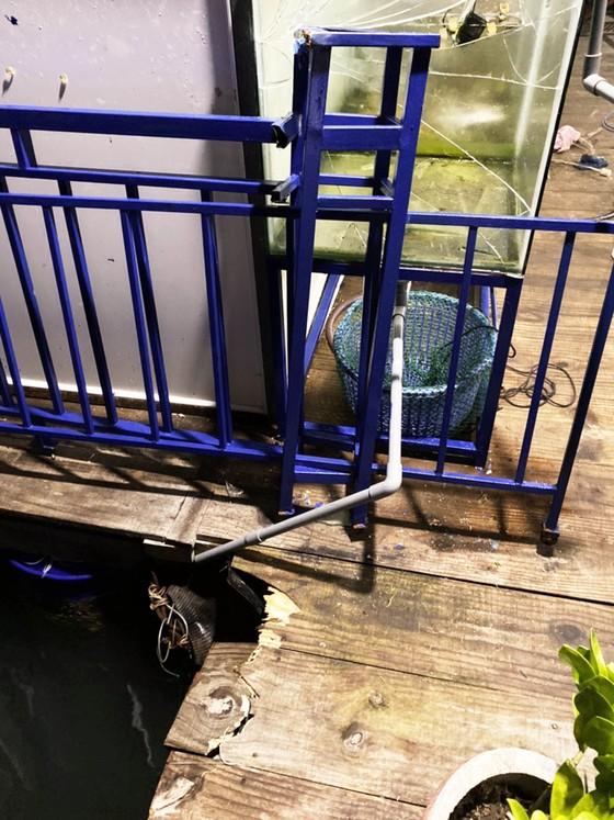Công an điều tra kẻ tông phá một nhà hàng nổi ở vịnh Quy Nhơn ảnh 4