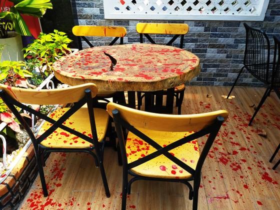 Công an điều tra kẻ tông phá một nhà hàng nổi ở vịnh Quy Nhơn ảnh 9