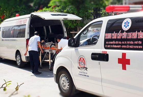 Sập giàn giáo, 4 công nhân nhập viện cấp cứu ảnh 2