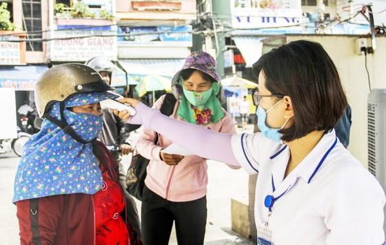 Bình Định cử bác sĩ, nhân viên y tế đến Đà Nẵng hỗ trợ chống Covid-19 ảnh 1