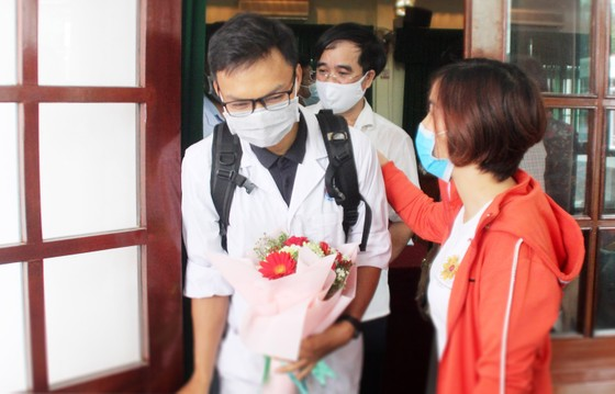 Bình Định, Phú Thọ chi viện hàng chục y, bác sĩ hỗ trợ Quảng Nam phòng chống dịch Covid-19 ảnh 8