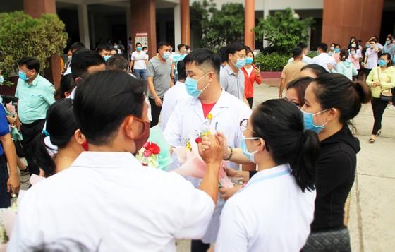 Bình Định, Phú Thọ chi viện hàng chục y, bác sĩ hỗ trợ Quảng Nam phòng chống dịch Covid-19 ảnh 2