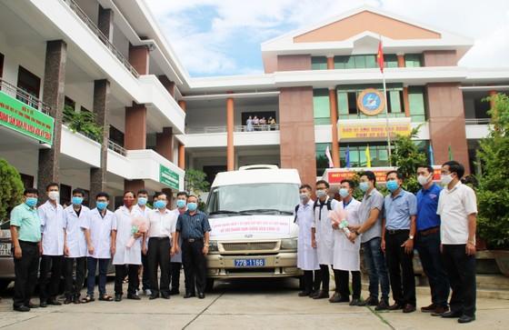 Bình Định, Phú Thọ chi viện hàng chục y, bác sĩ hỗ trợ Quảng Nam phòng chống dịch Covid-19 ảnh 1