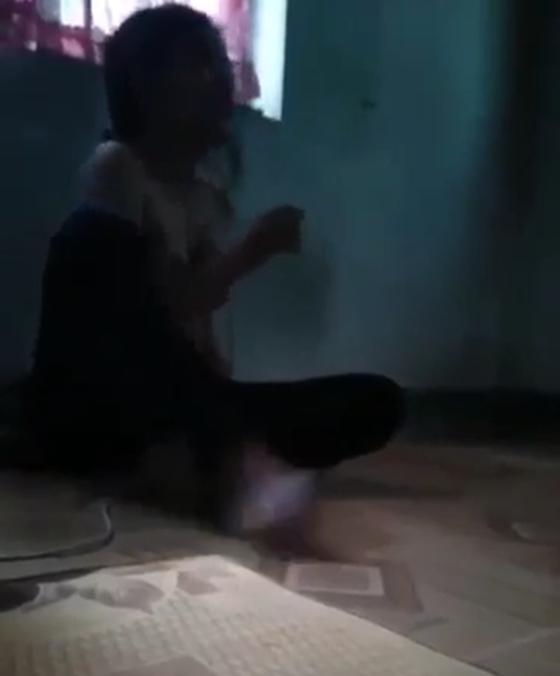 Bé gái 17 tuổi bị hành hung và nhục mạ ảnh 2