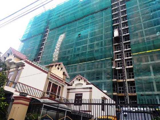 Dân 'tố' tòa chung cư 28 tầng thi công gây ô nhiễm, làm nứt nhà dân ảnh 7