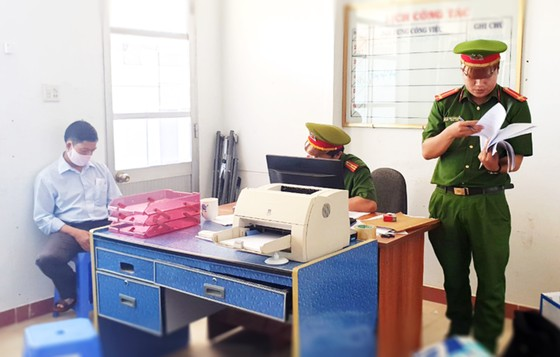 """Tạm thời """"phong tỏa"""" 1.100 thửa đất liên quan đến nhiều cán bộ Phú Yên bị khởi tố  ảnh 1"""
