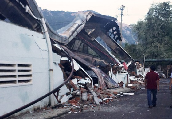 Điều tra vụ cháy ở khu nhà xưởng rộng 6.000m² của Xí nghiệp Thắng Lợi ảnh 1