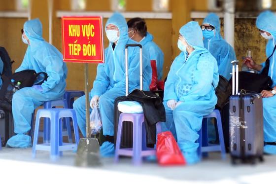 Phú Yên đón 339 công dân từ Liên Bang Nga về khu cách ly tập trung ảnh 4