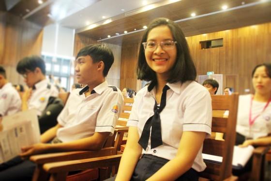 Trao học bổng Vallet cho học sinh, sinh viên Bình Định, Phú Yên và Gia Lai ảnh 12
