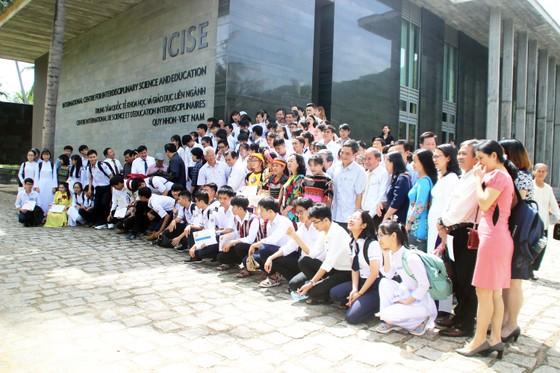 Trao học bổng Vallet cho học sinh, sinh viên Bình Định, Phú Yên và Gia Lai ảnh 14