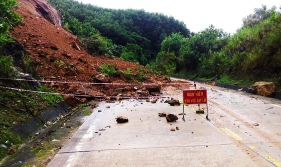Kiểm tra ứng phó với áp thấp, mưa lũ tại tỉnh Bình Định ảnh 3