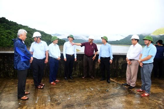Kiểm tra ứng phó với áp thấp, mưa lũ tại tỉnh Bình Định ảnh 1