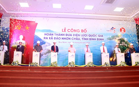 Chính thức cấp điện cáp ngầm cho 3.000 dân đảo Cù Lao Xanh ảnh 8