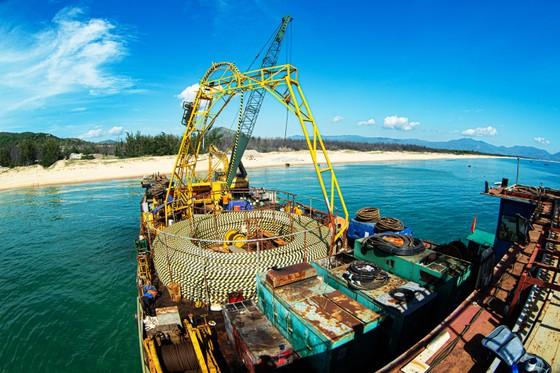 Chính thức cấp điện cáp ngầm cho 3.000 dân đảo Cù Lao Xanh ảnh 1