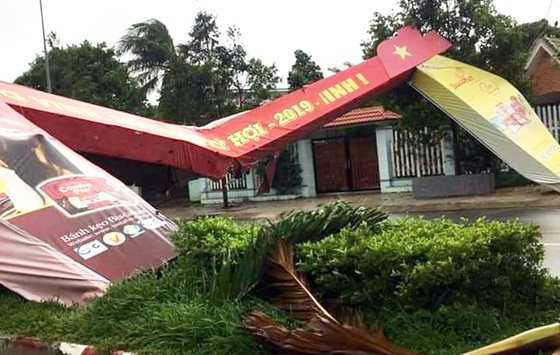Nhiều vùng dân ở Quảng Ngãi bị ngập lụt, chia cắt ảnh 3