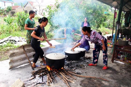 Xúc động cảnh người dân quyên góp, nấu ăn cho bộ đội tìm kiếm người mất tích ở Rào Trăng 3 ảnh 7