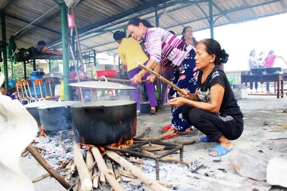 Xúc động cảnh người dân quyên góp, nấu ăn cho bộ đội tìm kiếm người mất tích ở Rào Trăng 3 ảnh 10