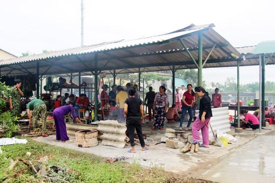 Xúc động cảnh người dân quyên góp, nấu ăn cho bộ đội tìm kiếm người mất tích ở Rào Trăng 3 ảnh 8