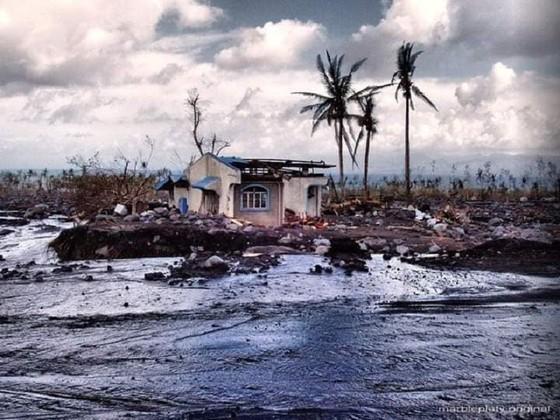 Siêu bão Goni đổ bộ vào Philippines với sức gió hủy diệt ảnh 1