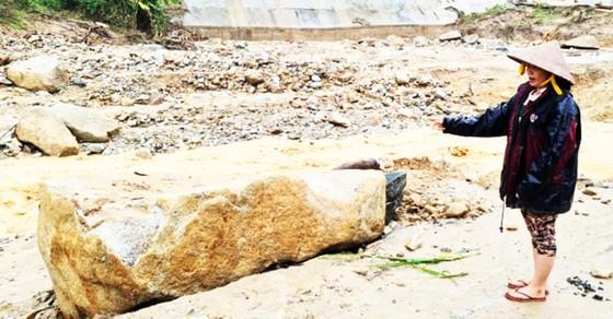 PV SGGP tiếp cận hiện trường Phước Sơn ngày thứ 9 bị cô lập, gần 2.000 người có nguy cơ thiếu ăn ảnh 4