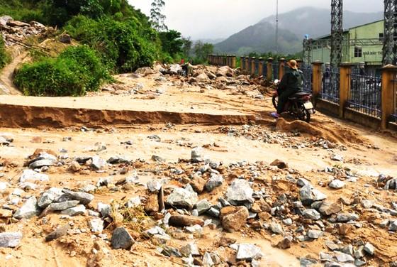Bình Định báo cáo sự cố sạt lở tại Thủy điện Vĩnh Sơn 5 ảnh 1