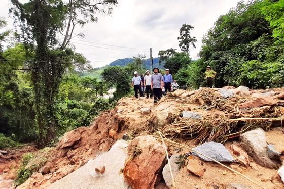 Cần đánh giá kỹ lưỡng tình trạng sạt lở tại huyện miền núi Vĩnh Thạnh, Bình Định ảnh 1