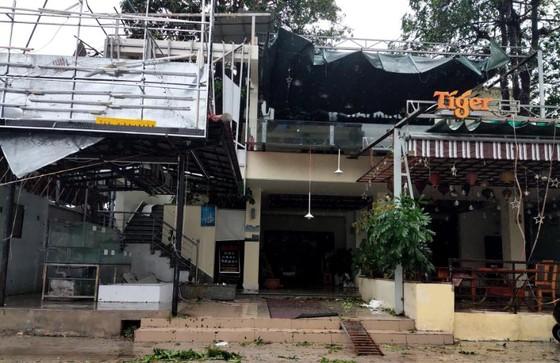 Những thiệt hại ban đầu của cơn bão số 12 ảnh 7