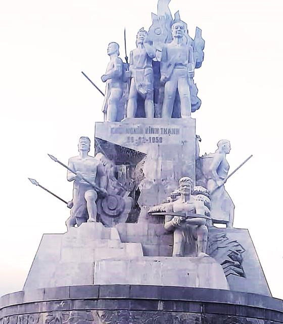 Tượng đài 48 tỷ Khởi nghĩa Vĩnh Thạnh hoàn thành ảnh 1