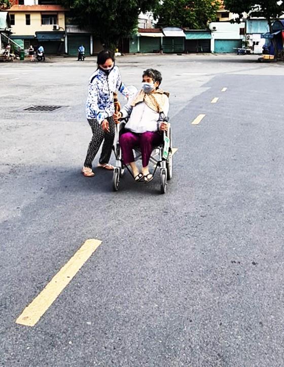 20 chuyến xe đón gần 400 người dân Phú Yên từ TPHCM về quê ảnh 7