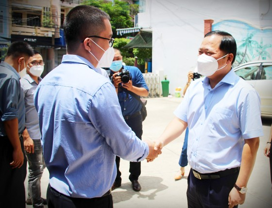 Bình Định tiếp tục tăng cường y bác sĩ vào TPHCM tham gia chống dịch ảnh 3