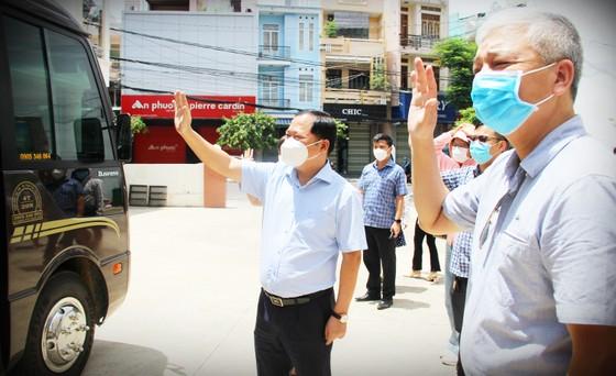 Bình Định tiếp tục tăng cường y bác sĩ vào TPHCM tham gia chống dịch ảnh 6