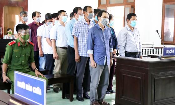 Lộ đề thi tuyển công chức tại Phú Yên: 17 cựu lãnh đạo, cán bộ lĩnh án trên 30 năm tù ảnh 1