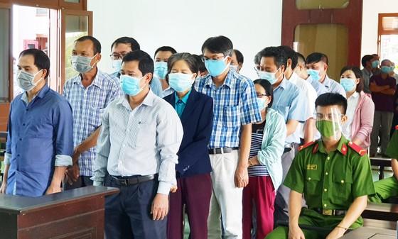 Lộ đề thi tuyển công chức tại Phú Yên: 17 cựu lãnh đạo, cán bộ lĩnh án trên 30 năm tù ảnh 2