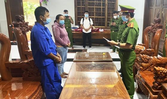 Phú Yên: Bắt thêm 2 đối tượng phá trắng rừng ở huyện Sơn Hòa ảnh 1