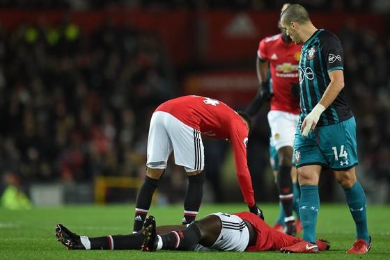 Lukaku chấn thương, Mourinho mất ngôi nhì ảnh 2