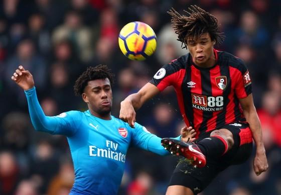 AFC Bournemouth - Arsenal 2-1: Pháo thủ lại thất thủ