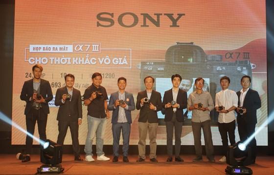 Máy ảnh Sony A7 III có giá gần 50 triệu đồng