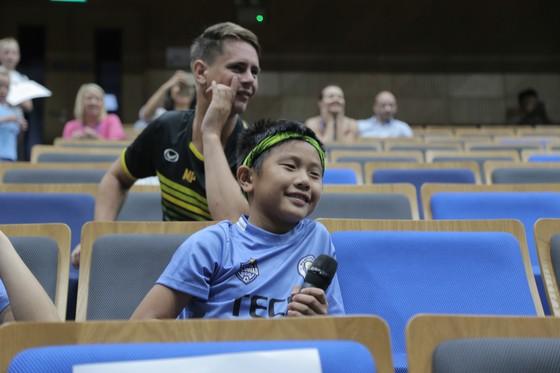 Thủ môn Shay Given đến TPHCM truyền cảm hứng bóng đá ảnh 2
