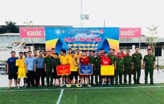 Liên quân cơ quan, đội đặc nhiệm - nghi lễ đăng quang giải bóng đá mừng ngày thành lập Đoàn ảnh 2