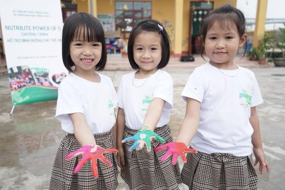 """Bộ Y tế và Amway Việt Nam hợp tác dự án """" Cải thiện tình trạng dinh dưỡng cho trẻ em dưới 5 tuổi"""" ảnh 1"""