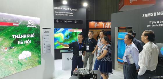 Samsung trình diễn công nghệ màn hình hiển thị toàn diện