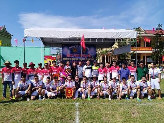 Ba Đề FC ấm tình quê hương