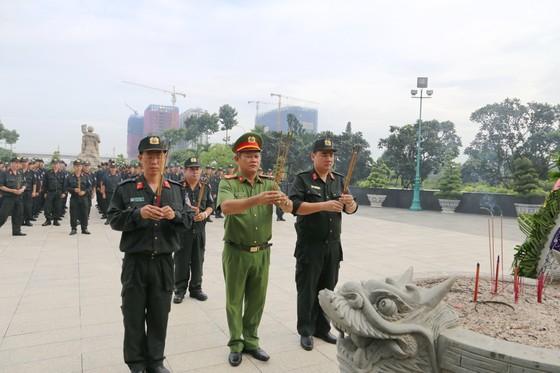 Cụm thi đua số 5 Đoàn Thanh niên Bộ Tư Lệnh CSCĐ tổ chức nhiều hoạt động kỷ niệm 75 năm ngày truyền thống lực lượng CAND ảnh 1
