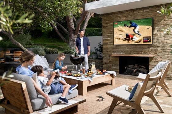 Samsung trình làng The Terrace - TV QLED ngoài trời