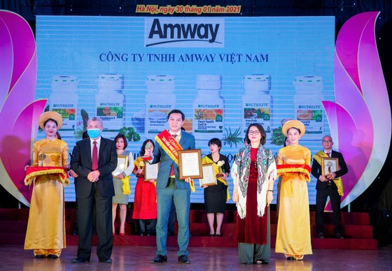 """Amway Việt Nam lần thứ 8 nhận giải thưởng """"Sản phẩm vàng vì sức khỏe cộng đồng"""""""