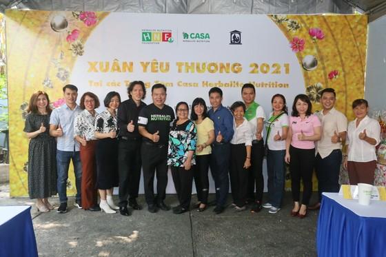 Herbalife Việt Nam tổ Chương trình Xuân Yêu Thương cho hơn 800 em trẻ ảnh 2