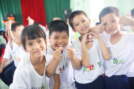 Herbalife Việt Nam tổ Chương trình Xuân Yêu Thương cho hơn 800 em trẻ ảnh 3